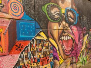 Gruppenreisen für Alleinreisende & Erlebnisreisen I 7 Gründe Kolumbien Comuna 13 in Medellín