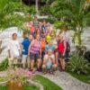 Gruppenreisen für Alleinreisende & Erlebnisreisen I Kolumbien Ablauf Gruppenfoto vor der Wanderung durch den Tayrona Park