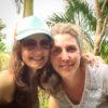 Gruppenreisen für Alleinreisende & Erlebnisreisen | Kolumbien Ablauf Zwei Reiseleiterinnen mit Herz im Tayrona Park