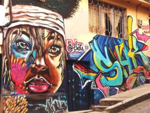 Gruppenreisen für Alleinreisende & Erlebnisreisen | Optionale Aktivität Comuna 13 Tour