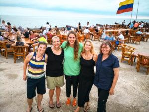 Gruppenreisen für Alleinreisend e & Erlebnisreisen I Kolumbien Ablauf Tag 23 letzter gemeinsamer Abend im Café del Mar in Cartagena