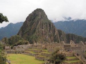 Gruppenreisen für Alleinreisende I Anden Blick auf den Machu Picchu Berg