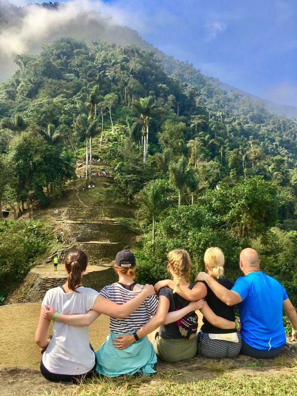Gruppe in der Ciudad Perdida in Querido Kolumbien - Gruppenreisen für Alleinreisende & Erlebnisreisen | QUERIDO MUNDO